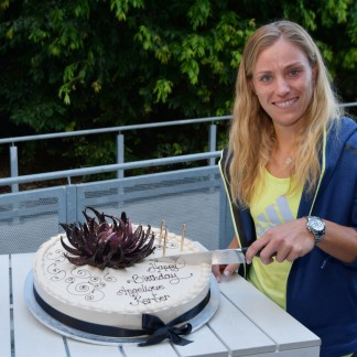 Angie was presented with a celebratory 30th birthday cake by Australian Open partner Lavazza // Getty Images